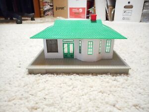 S SCALE AMERICAN FLYER #788 SUBURBAN STATION