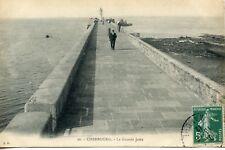 CARTE POSTALE / CHERBOURG LA GRANDE JETEE