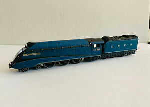 HORNBY - DUBLO - EDL1 - 4498 - Sir Nigel Gresley - Class 4-6-0