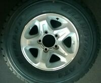 LandCruiser TOYOTA alloy wheel VDJ76/78/79/V8 series + DUNLOP 265/70/16 tyre NEW