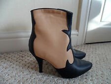 "ASOS - Beautiful  Black & Camel"" Contrast  VINTAGE Design Ankle Boots sIZE 5 NEW"