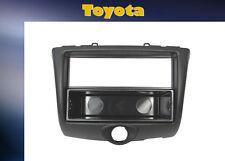 = Autoradio Einbaurahmen Toyota Yaris 2003 bis 2006