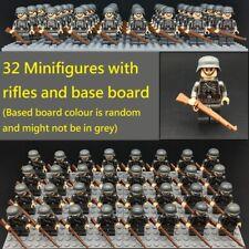 WWII German 32 Mini figure army soldier with rifle board World War 2 (II) WW2
