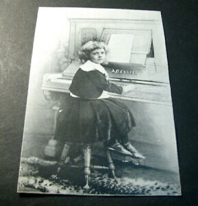 Advert. Card for  the Octavo Pedal on Piano L398
