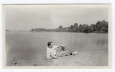 PHOTO ANCIENNE ANONYME Homme Man Gay Interest 1930 Plage Allongé Sable Profil
