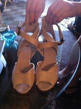 Lyvine Arche Shoes