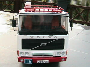 1977 Volvo F12 Sattelzugmaschine weiß von Road Kings Maßstab 1:18