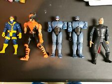 5 figure lot. Marvel legends, cyclops Magneto, wolverine Robocops