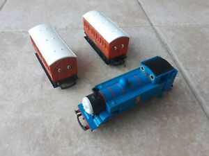 Hornby Thomas Train With Annie & Clarabel Carriages