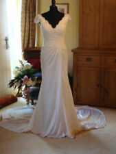 Lace V Neck Column/Sheath Cap Sleeve Wedding Dresses