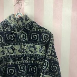 Vintage fleece with funky design with quarter zip