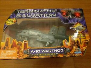 Terminator Salvation A-10 WARTHOG with Exclusive Blair Action Figure NEW..