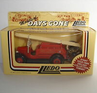 Lledo Days Gone Model 1934 Dennis Fire Engine LONDON FIRE BRIGADE LCC : DG12004a
