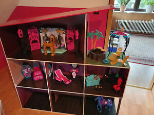 Monster High Haus, Puppenhaus, Barbie Haus, Traumhaus, selbst gebaut