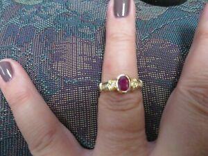 Beautiful Diamond & Ruby 14 K solid gold size 8   4.1gr