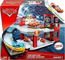 Disney Pixar CARS 3 Toy Playset PISTON CUP RACING GARAGE with Lightning McQueen