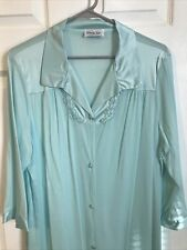 Vanity fair - Classy Button Up Robe! Gorgeous Green Color