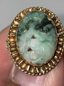 14k Yellow Gold Carved Green Jade Flower Ring Size 4 Not Scrap 4.8 Grams