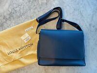 Louis Vuitton ROMAN MM Taiga Ocean Blue Messenger Bag