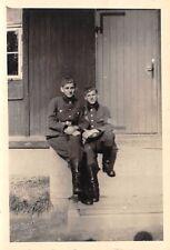 Foto Jugend Kinder in Uniform zwei Jungs am 1.5. 1943
