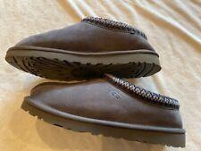 Ugg Tasman Slipper Shoe, Mens size 7, Dark Grey