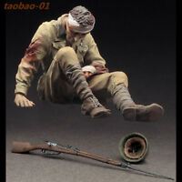 1:35 resin soldiers figures model kit WW II Wounded Red Army Infantry 36137