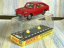 Dinky Toys #163 Volkswagen 1600 TL Fastback MinGB red, white interior