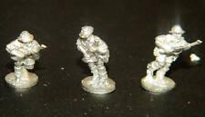 SHQ BA2 1/76 Diecast WWII Australian Riflemen Advancing (3 Figures)