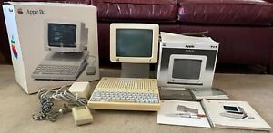 Working Apple IIc Computer A2S4100 In Original Box w/Software Manuals