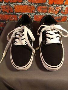 EUC women's VAN'S black lace up athletic shoes - size 6 / BARELY WORN !!!