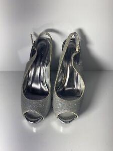 Michaelangelo White Shiny High Heels Size 6
