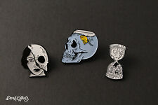 GOTHIC HALF SKULL, SKULL DEAD FISHBOWL & GOTHIC DARK HOURGLASS PIN BADGES SET 3