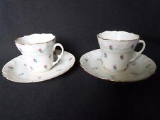 2 tasses à café en porcelaine de Paris semi fleurettes