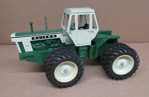 OLIVER WHITE 2455 4WD TRACTOR 1/16 Louisville 2003 Farm Show JLE Scale Models