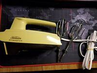 Sunbeam Mixmaster Hand Mixer Gold Vintage 1979 5 Speed New in Box 3-53 NOS