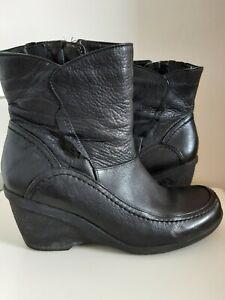 Ladies Hush Puppies Heeled Ankle Black  Boots Size UK 6  EU 39