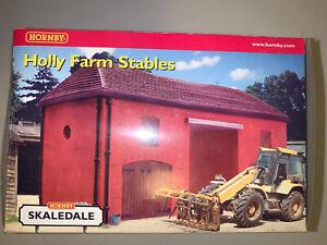 Hornby Skaledale OO Gauge Holly Farm Stables R8525