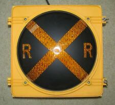 "12"" RXR Incandescent Traffic Signal Light Yellow Body"