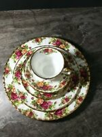 ROYAL ALBERT OLD COUNTRY ROSES PLACE SETTING