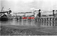 PHOTO  1974 GREENHITHE KENT CONVEYOR STONE CEMENT WORKS A DERELICT CONVEYOR AT T