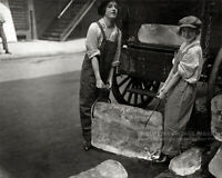"Vintage 1918 ""Ice Girls"" Photo - Cute Women Delivering Ice Blocks Bar Wall Art"
