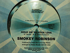 "Smokey Robinson ""Hold On To Your Love"" 1985 MOTOWN Oz 7"" 45rpm"