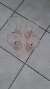 4 Luminarc Gläser Weißweinglas Ø 7cm Weingläser Glas mit rosa Stiel-Höhe 20 cm