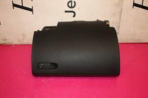 MERCEDES W204 200 CDI 2.2 CDI 2007-2010 GLOVE BOX A2046800011