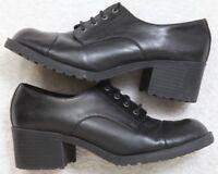 SO Black Dress Lace Front Shoes 9.5 Nine 1/2 Block Heels Solid Women's Woman