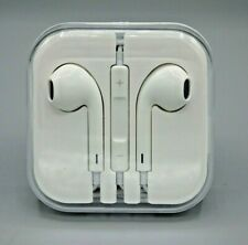 White Ear Buds Wired Original Cable Plug White New in Case