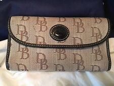 Dooney Bourke Leather & Fabric Jacquard DB Logo Lrg Continental Wallet Tan Black