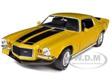 1971 CHEVROLET CAMARO Z/28 PLACER GOLD 1/18 DIECAST MODEL BY AUTOWORLD AMM968