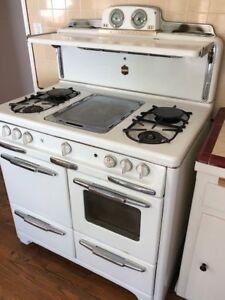 1950s Wedgewood white stove