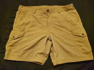 Duluth Trading Co.  Size 44 Khaki Armachillo Cargo Shorts